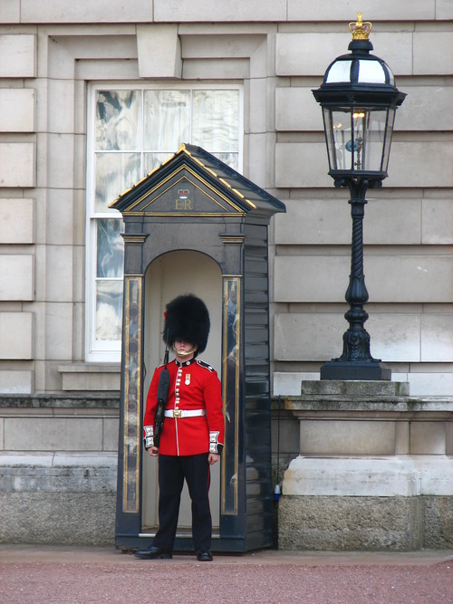 Buckingham Palace5