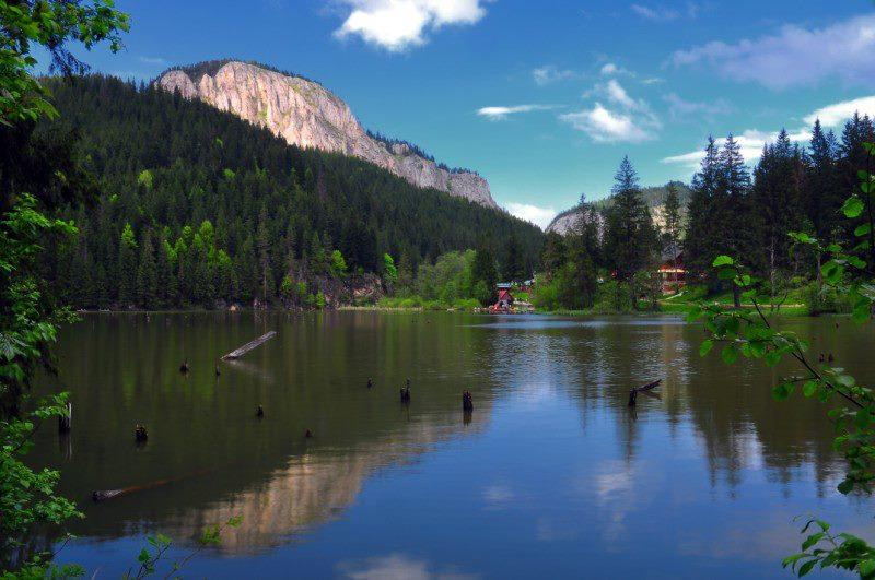 1_lacul rosu