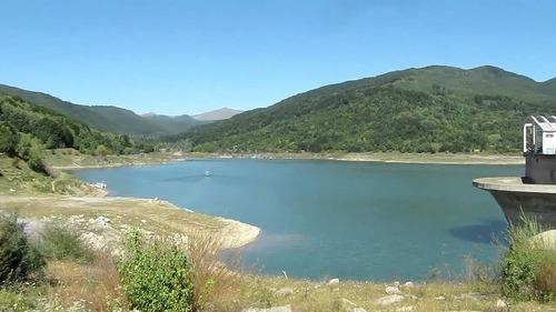 lac maneciu