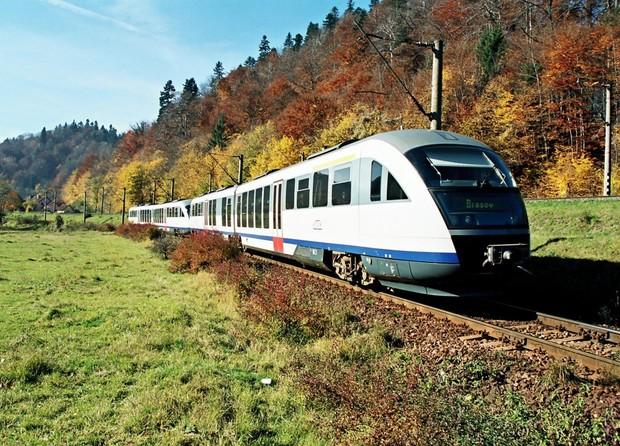 2235-tren-cfrcalatori-ro (1)