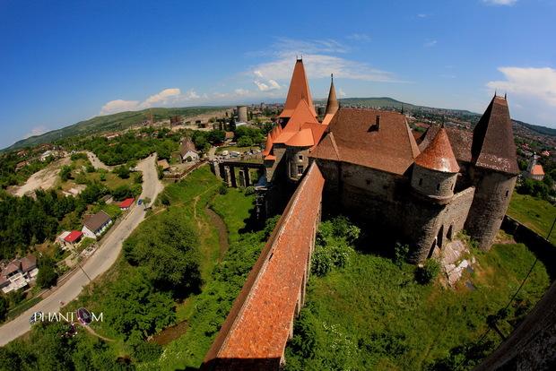 Castelul-Corvinilor-27_resize (1)