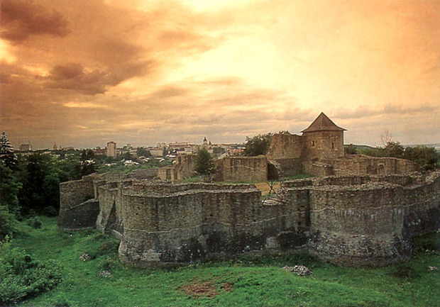 suceava-stefan-cel-mare-fort (1)