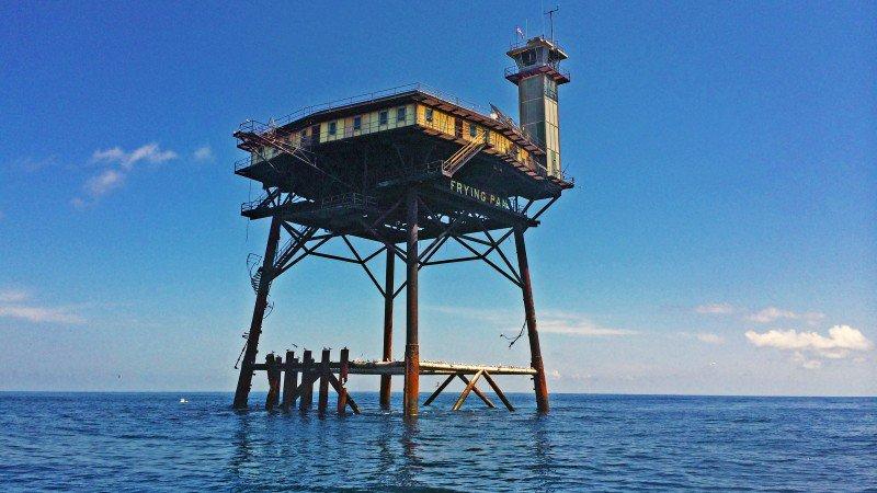 frying-pan-tower-not-blue_h