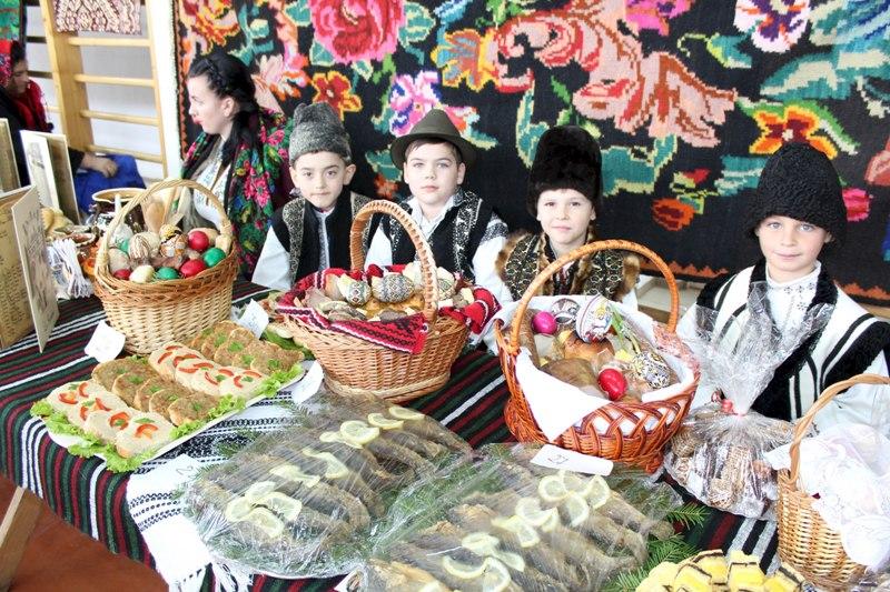 Festivalul Ouălor Încondeiate de la Moldovița
